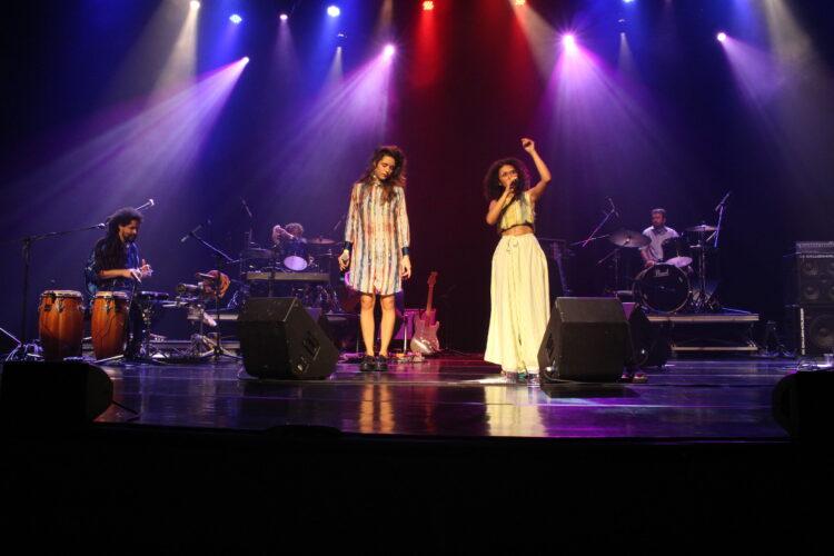 Banda Nã e Nina Oliveira